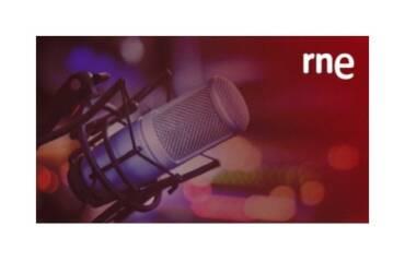 """Entrevista en el programa """"Gente despierta"""" de RNE con Alfredo Menéndez, Ramón Arangüena y Luis Miguel Pascual."""